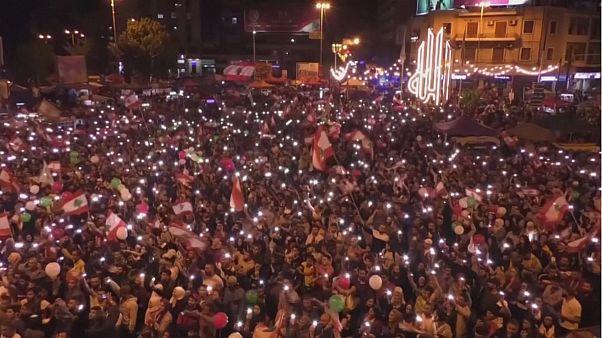 لبنان؛ از شادی شبانه معترضان تا واکنش محتاطانه ایران به استعفای حریری