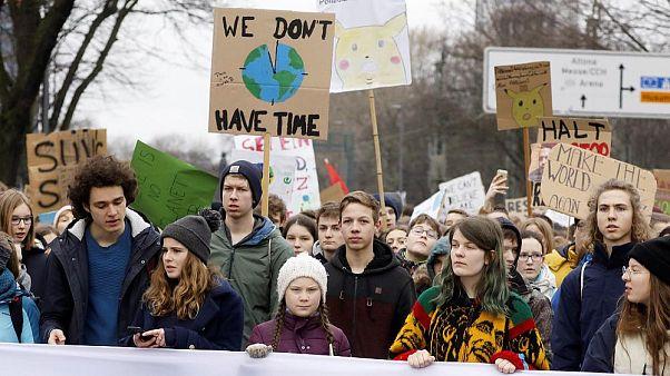 İklim aktivisti Greta Thunberg 75 bin dolar değerindeki çevre ödülünü reddetti