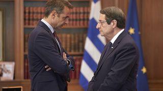 Ο πρωθυπουργός Κυριάκος Μητσοτάκης υποδέχεται τον  Κύπριο Πρόεδρο Νίκο Αναστασιάδη