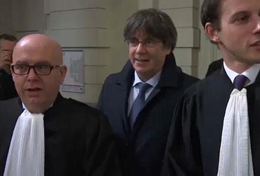 اسپانیا به بلژیک در صورت عدم استرداد رهبر سابق جدایی طلب کاتالونیا هشدار داد