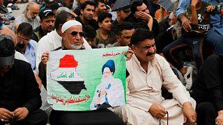 أنصار مقتدى الصدر يحضرون صلاة الجمعة ببغداد- أرشيف رويترز