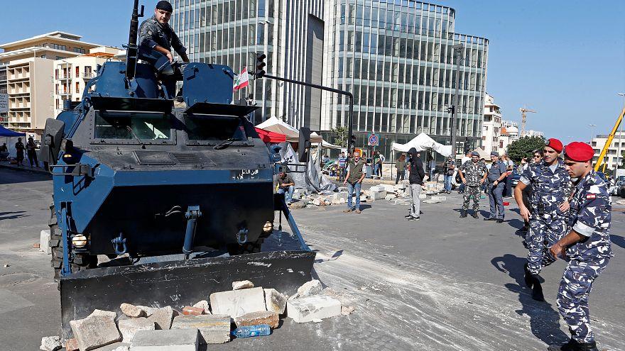 پلیس و ارتش لبنان پاکسازی خیابانها را آغاز کردند