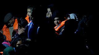 Συνεχίζονται αμείωτες οι ροές προσφύγων και μεταναστών