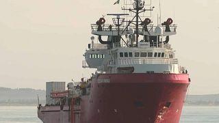 I 104 migranti della Ocean Viking sbarcati a Pozzallo