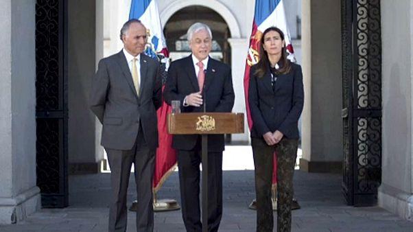 Il Cile costretto a cancellare due conferenze internazionali