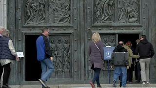 Auch nach der Umbettung: Franco-Mausoleum bleibt populär
