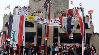 Irak : les manifestants défient le couvre-feu à Bagdad