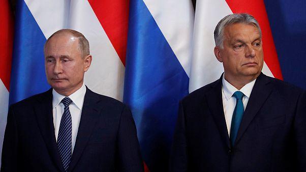 Viktor Orbán pede a Putin para normalizar relações com a NATO