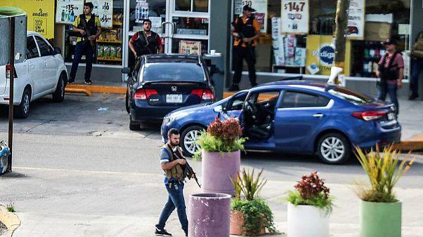 ویدئوی لحظه بازداشت پسر الچاپو و محاصره نیروهای پلیس از سوی اعضای کارتل سینالوا