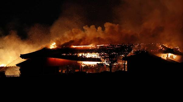 Au Japon, un incendie ravage un chef d'oeuvre architectural classé à l'Unesco