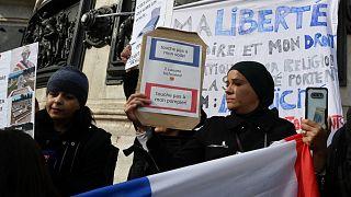 """خبراء: الإسلام في صلب نقاش في فرنسا يغذيه """"الانفعال"""" و""""الجهل"""""""