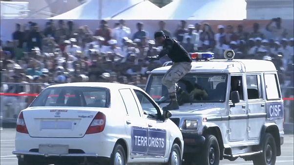 مانور ویژه نیروهای امنیتی هند در جشنواره وحدت