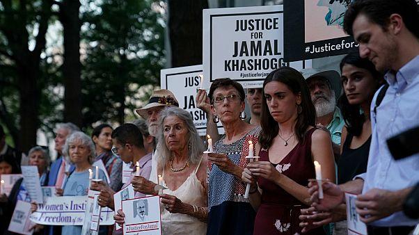 متظاهرون أمام السفارة السعودية في ذكرى مقتل الصحفي جمال خاشقجي- أرشيف رويترز