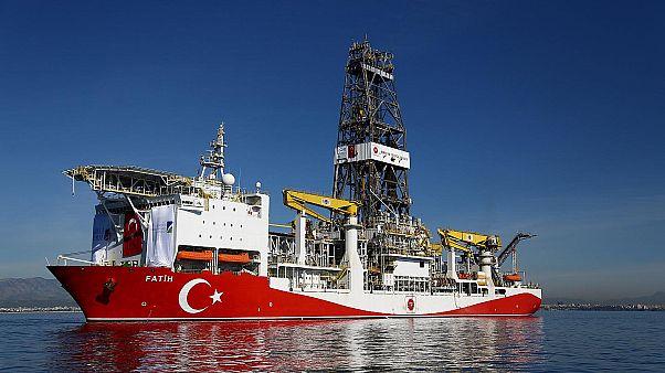 Doğu Akdeniz'de sondaj çalışmaları yürüten Fatih gemisi Türkiye'ye dönüyor