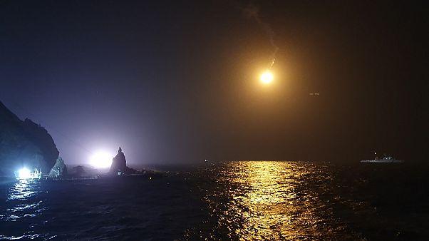 Güney Kore: Yaralı balıkçıyı alan ambulans helikopter havalandıktan sonra düştü
