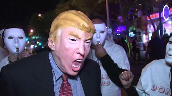 شاهد: أكبر كرنفالات هالوين في هوليوود وترامب يسرق الأضواء فيه