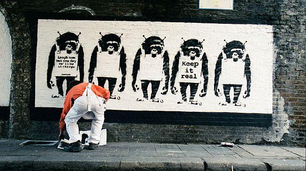 Kimliğini gizli tutan Banksy'nin fotoğrafları yayımlandı