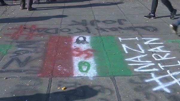شاهد: مظاهرة مناهضة لإيران في ساحة التحرير ببغداد