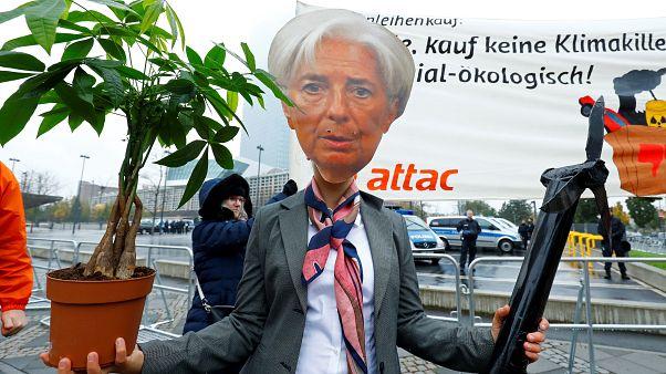 Christine Lagarde chahutée par Attac pour sa prise de fonction à la BCE