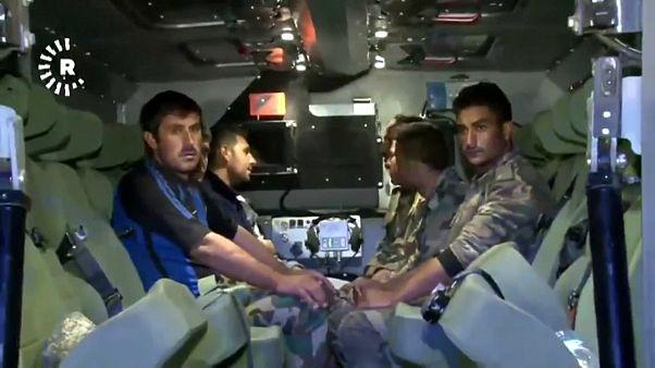 شاهد: تركيا تسلم جنودا تابعين للنظام السوري بتنسيق روسي