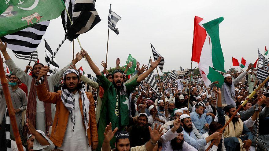 Радикальные исламисты требуют отставки премьер-министра
