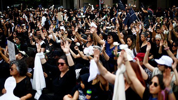 تظاهرات در شیلی؛ دهها هزار معترض بار دیگر به خیابانها آمدند