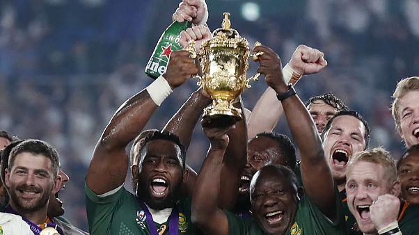Sudáfrica consigue su tercer mundial de rugby al derrotar a Inglaterra (12-32)