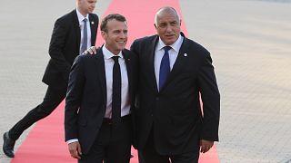 الرئيس الفرنسي إيمانويل ماكرون رفقة الوزير الأول البلغاري بويكو بوريسوف