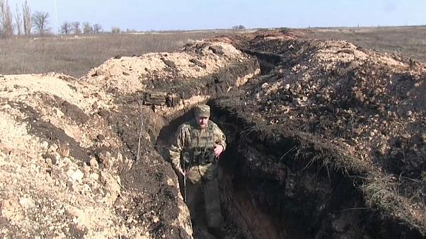 Csapatkivonás Kelet-Ukrajnában az EBESZ felügyeletével