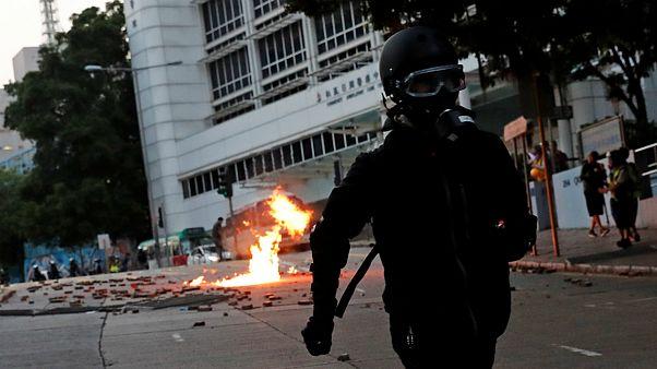 درگیری خشونت بار معترضان به دولت محلی هنگ کنگ با پلیس