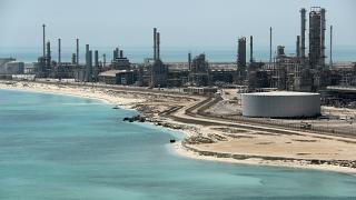 Vista general de la refinería de petróleo Ras Tanura de Saudi Aramco y de la terminal de petróleo en Arabia Saudita el 21 de mayo de 2018.