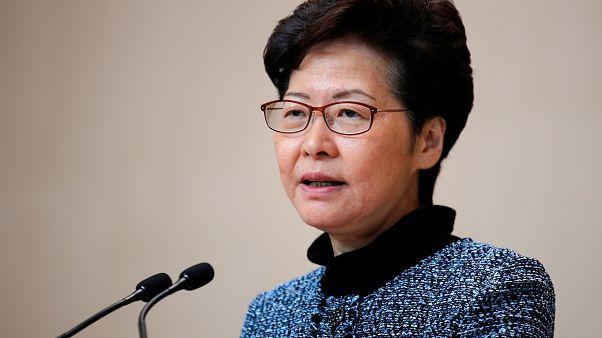 Hong Kong lideri halkın Çin'de yaşayıp çalışabilmesi için Pekin yönetimiyle görüşecek