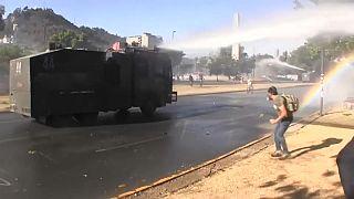 Continúan las protestas en Chile ante la respuesta insuficiente del Gobierno y la oposición