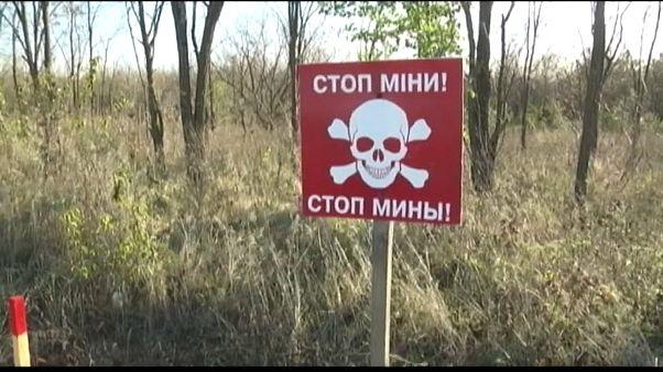 Ucraina, la bonifica del terreno da mine anti-uomo e munizioni