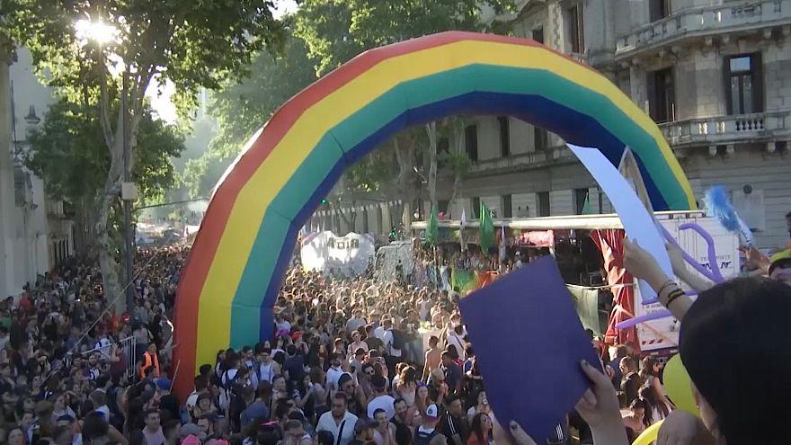 ویدئو؛ رژه سالانه دگرباشان جنسی در آرژانتین
