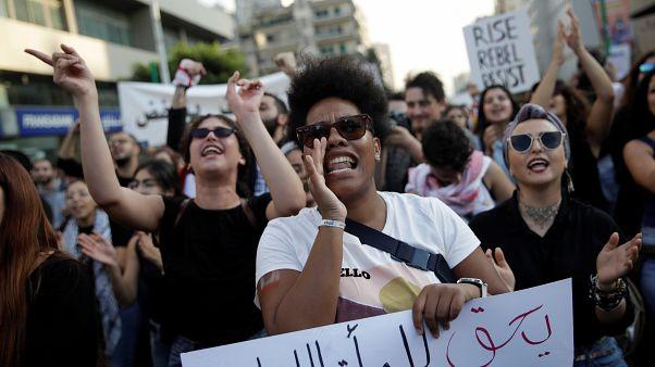 مسيرة نسوية بالعاصمة بيروت تزامنا مع الاحتجاجات الشعبية في لبنان. 03/11/2019