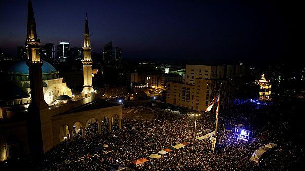 احتشاد كبير للمتظاهرين في بيرون وبعض المدن الآخرى