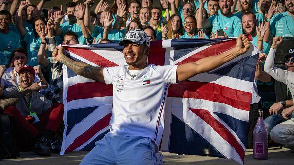 """""""E vão seis"""" para Lewis Hamilton"""