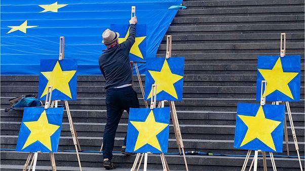 نیویورک تایمز برخی رهبران اروپای مرکزی را به سواستفاده مالی متهم کرد