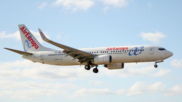 Nace un nuevo gigante de los cielos: IAG (Iberia) compra Air Europa
