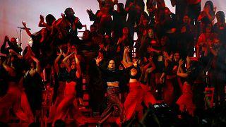 Las mujeres dominan el podio de los premios MTV europeos