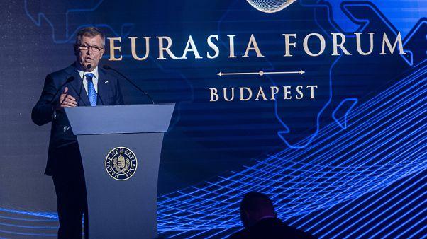 Matolcsy : stratégiai hiba volt az euró bevezetése