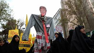 Ιράν: Ο αντιαμερικανισμός στο κόκκινο 40 χρόνια μετά την «κρίση των ομήρων»