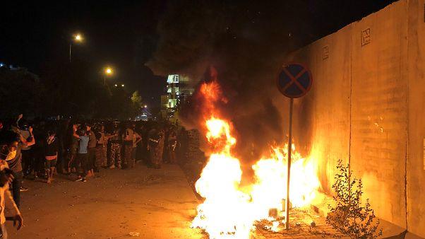 Ирак: протестующие атаковали иранское консульство