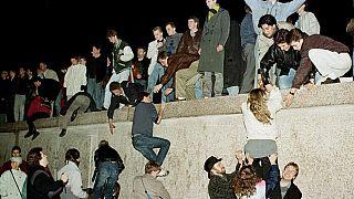 Что такое Берлинская стена и как ее падение привело к объединению Европы?