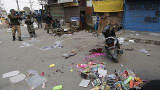 حمله با نارنجک در کشمیر یک کشته و ۳۴ زخمی برجای گذاشت
