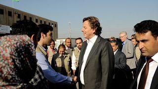 Hollanda Dışişleri Bakanı Bert Koenders Erbil'e 10 kilometre uzaklıkta olan Bahirka Kampı'nı ziyaret ederek IŞİD şiddeti nedeniyle evlerini terk edenlerle görüştü