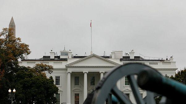 کاخ سفید: ایران صلح را جایگزین گروگانگیری و دزدی دریایی کند