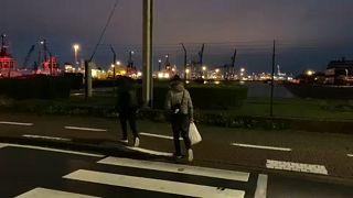 In fuga verso il Regno Unito: la storia di tre migranti