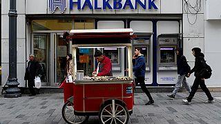 Halkbank, İran'a yönelik yaptırımlarının delinmesine yardımcı olmakla suçlanıyor